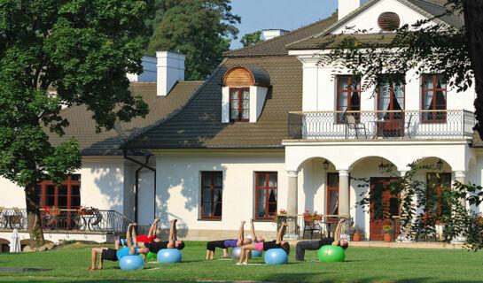 HOTEL & SPA  KOMBORNIA Korczyna
