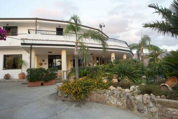 HOTEL INCORONATO San Nicolo di Ricadi (VV)
