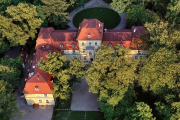 HOTEL DWÒR SIERAKÒW Dobczyce